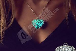Svítící náhrdelník s přívěskem v podobě srdce...