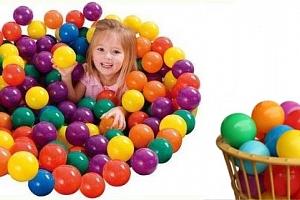 Plastové balonky - 500 kusů...