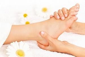 Hodinová reflexní terapie plosek nohou...