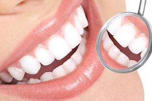 Profesionální dentální hygiena s bělením zubů...
