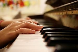 Lekce klavíru...