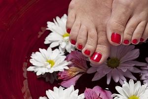 Luxusní péče pro nohy i s biolakováním...