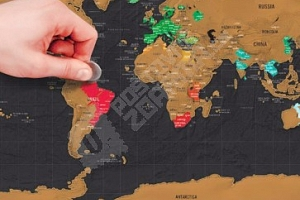 Stírací mapa světa na zeď...