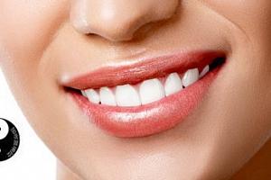 Bezbolestné bělení zubů...