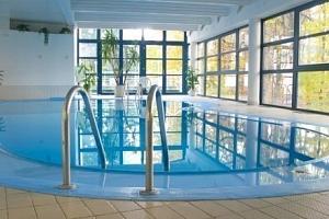 Písek s neomezeným bazénem, saunou a snídaněmi...