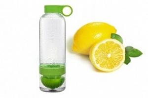 Láhev na citronádu...