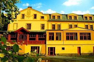 3–4denní wellness pobyt pro 2 osoby s polopenzí v hotelu Praděd...
