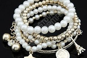 Vícevrstvý náramek s perlami a přívěsky...