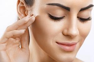 Kosmetické ošetření + přístrojová lymfodrenáž a zábal...