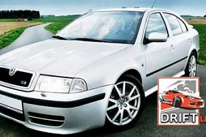 Jízda driftovacím speciálem + instruktáž + pohonné hmoty...