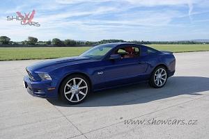 Dechberoucí jízda v Fordu Mustang...