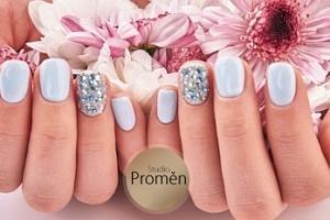 Nové gelové nehty včetně zdobení, kamínků nebo třpytek...