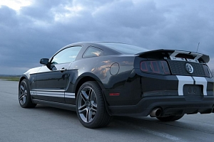 Ford Mustang Shelby GT500...