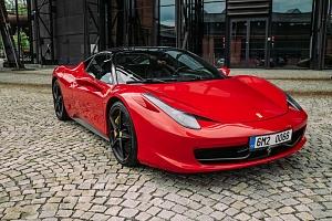 Jízda ve Ferrari 458...