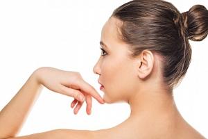 60minutová liftingová masáž obličeje...