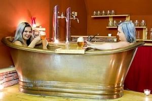 Pivní a vinné lázně Casiopea na Vysočině...