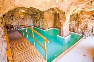 Kysucké Beskydy: jeskynní bazén a polopenze v Hotelu Husárik **** + dítě zdarma...