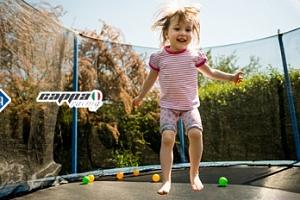 Dětská zahradní trampolína s ochrannou sítí s nosností až 45 kg...