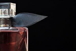 Namíchejte si parfém podle své libosti...
