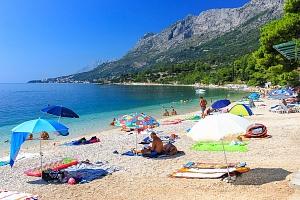 8–10denní Chorvatsko, Gradac | Dítě zdarma | Hotel Oasa*** s polopenzí | První řada u moře...