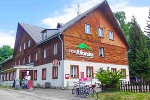 Krkonoše: Hotel Alfonska *** s venkovním bazénem, polopenzí i vyžitím pro děti...