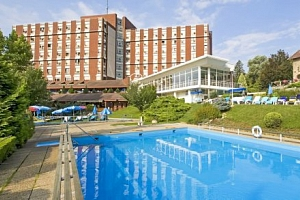 Hévíz v hotelu Danubius Health Spa Resort Aqua **** s all inclusive a wellness...
