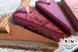 Balíček 4 druhů raw dezertů plných zdraví prospěšných látek...