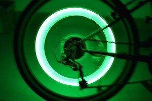 LED světlo do výpletu kola - 2 kusy - 4 barvy a poštovné ZDARMA!...