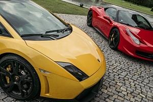 Adrenalinová jízda ve Ferrari nebo Lamborghini + záznam z jízdy...