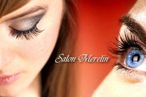 Prodlužování řas metodou řasa na řasu v Salonu Merelin. Mějte krásně dlouhé a přirozené řasy....
