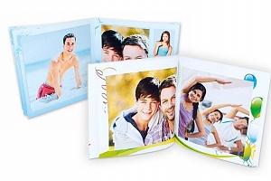 Fotokniha v sešitové vazbě s vlastními fotografiemi ve 3 rozměrech...
