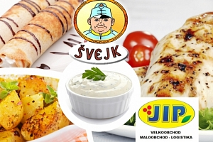 Menu pro 4 osoby v restauraci Švejk, kuřecí steak, americký brambor, tatarka, salát, palačinka....