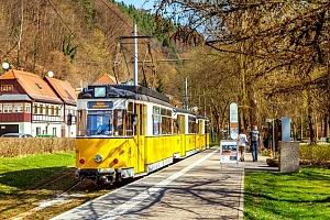 Celodenní zájezd pro 1 za svezením se vyhlídkovou tramvají v německém Saském Švýcarsku...