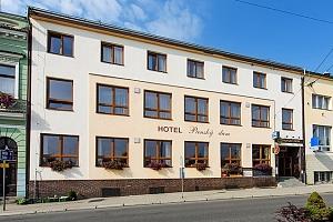 3–6denní pobyt pro 2 s polopenzí a možností vířivky v hotelu Panský dům Blovice u Plzně...