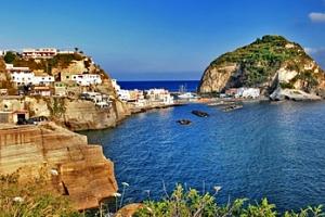 Ostrov Ischia v Itálii, 7 nocí pro 1 os. s polopenzí + 1 dítě zdarma...