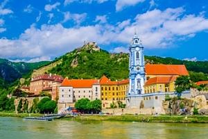 Výlet rakouským údolím Wachau s možností plavby po Dunaji...