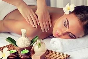 Olejová masáž šije a zad nebo masáž obličeje v salonu Nehtík v Praze...
