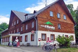 Na čistém vzduchu: Krkonoše v oblíbené obci Benecko v hotelu s bazénem, multifunkčním hřištěm i…...