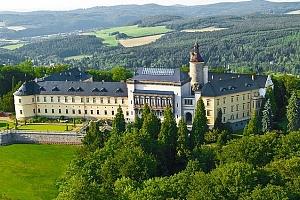 2–3denní luxusní pobyt s wellness a snídaněmi v Chateau hotelu Zbiroh**** pro 2 osoby...