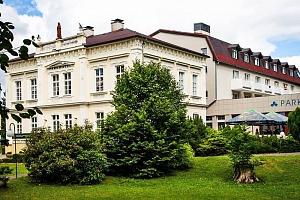 Severní Čechy v luxusním 4* Parkhotelu Morris Nový Bor s wellness, balneo procedurami a polopenzí –…...