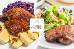 Menu pro 2 či 4 osoby v Hotelu Central v Plzni...
