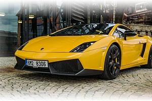 S Lamborghini Gallardo na plný plyn...