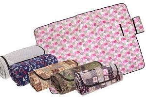 Barevná pikniková deka se spodní voděodolnou vrstvou s rozměry 200x145 cm...