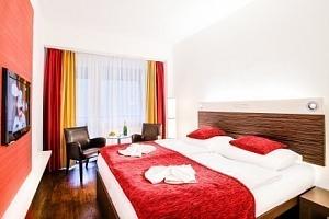 Karlovy Vary: Dámská jízda v Hotelu Green Paradise **** s polopenzí a wellness...