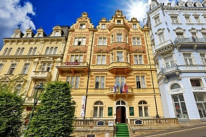 Skvostné Karlovy Vary ve 4* hotelu s balíčkem wellness procedur, vstupem do bazénového komplexu,…...