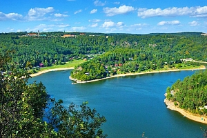 Jižní Morava v penzionu nedaleko Vranovské přehrady s bazénem se slanou vodou, vířivkou, masážním…...