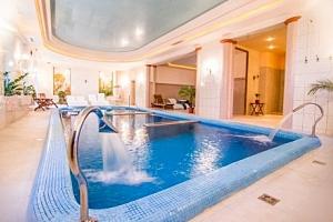 Maďarsko: zámecký Batthyány Castle Hotel **** s polopenzí a termálním wellness...