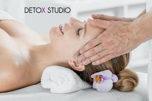 Antistresová masáž hlavy či reflexní masáž chodidel...
