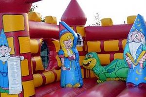 Pronájem skákacího hradu pro děti na celý den...