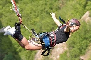 Bungee Jumping, skok z jeřábu 60 metrů nebo 120 metrů...